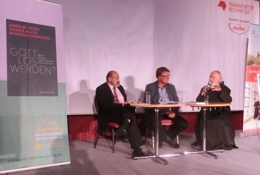 Tomás Halik, Winfried Nonhoff und Anselm Grün am 19.10.2016 im Lesezelt der Frankfurter Buchmesse.