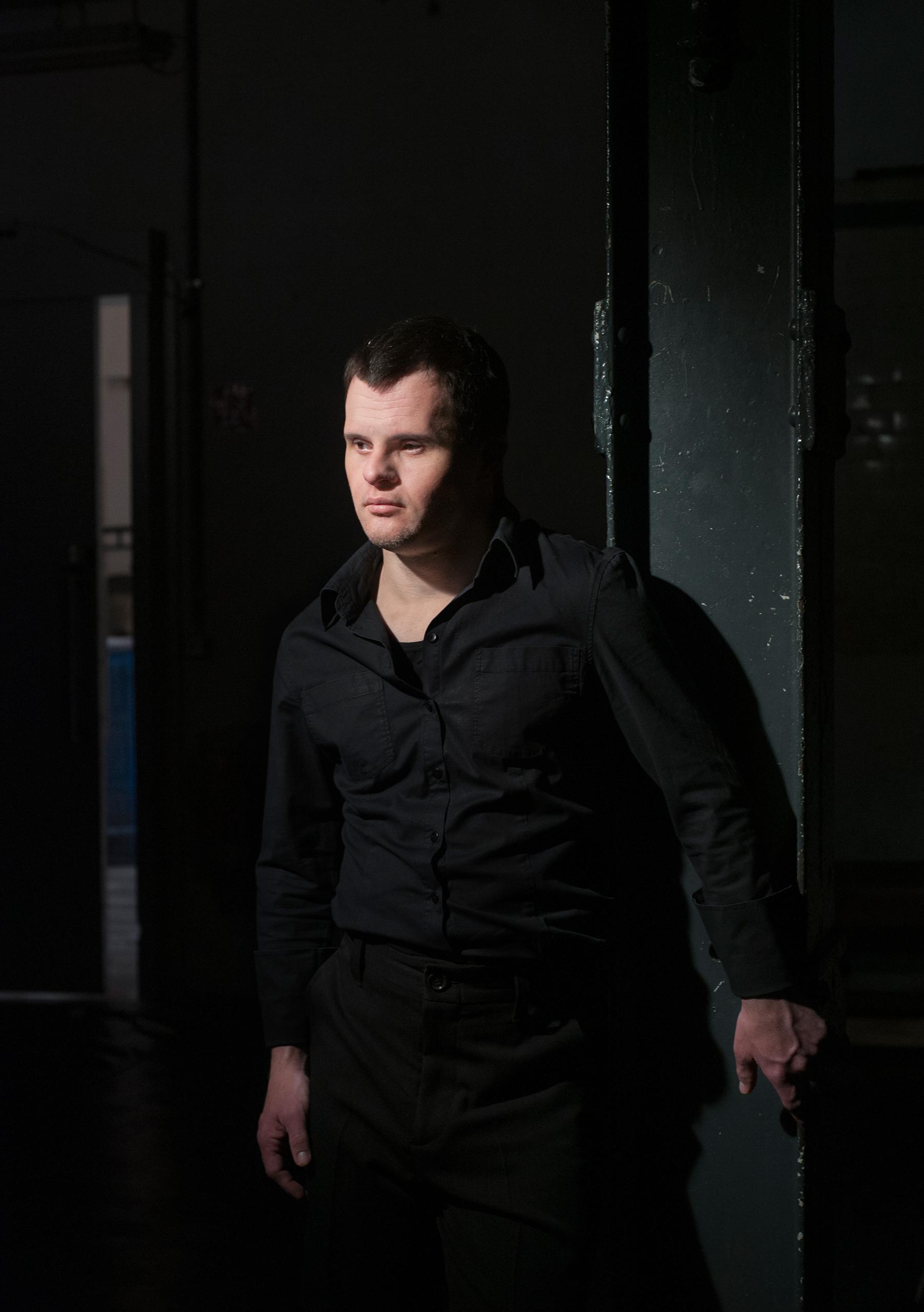 Sebastian Urbanski, 39 Jahre alt, ist Schauspieler. Foto: Jonas Ludwig Walter